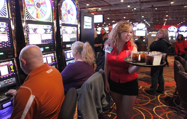 Jogando no casino (Foto: Reprodução)
