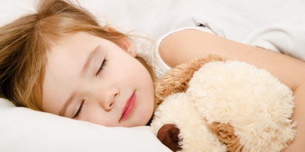 5 dicas para ajudar o filho a dormir sozinho