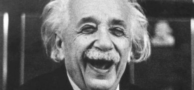 Carta de Deus, escrita por Einstein, é leiloada por R$ 11 milhões