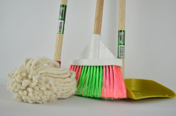 Especialista ensina a montar um cronograma para facilitar a limpeza da casa
