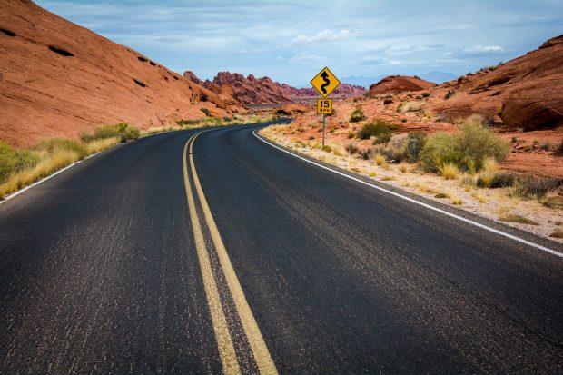 4 dicas para dirigir com segurança em lugares diferentes!