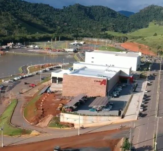 Conheça o cinema no Brasil que funciona totalmente com energia solar