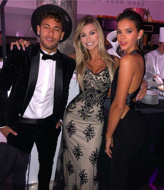 Neymar comemora aniversário com festa badalada na França e se emociona com surpresa