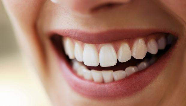 Você sabia que própolis protege seus dentes?