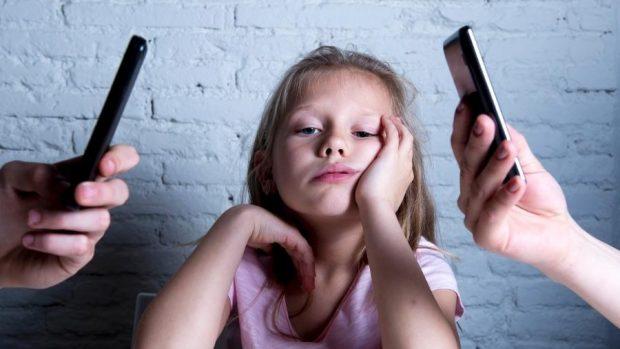 Youtubers Infantis - até que ponto vale a pena expor crianças na internet?