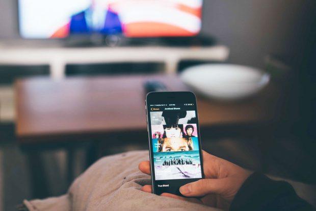 Demostrar que é possível ver TV Grátis no Celular