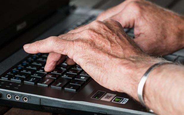 Conheça esse aplicativo de vagas para aposentados - saiba mais