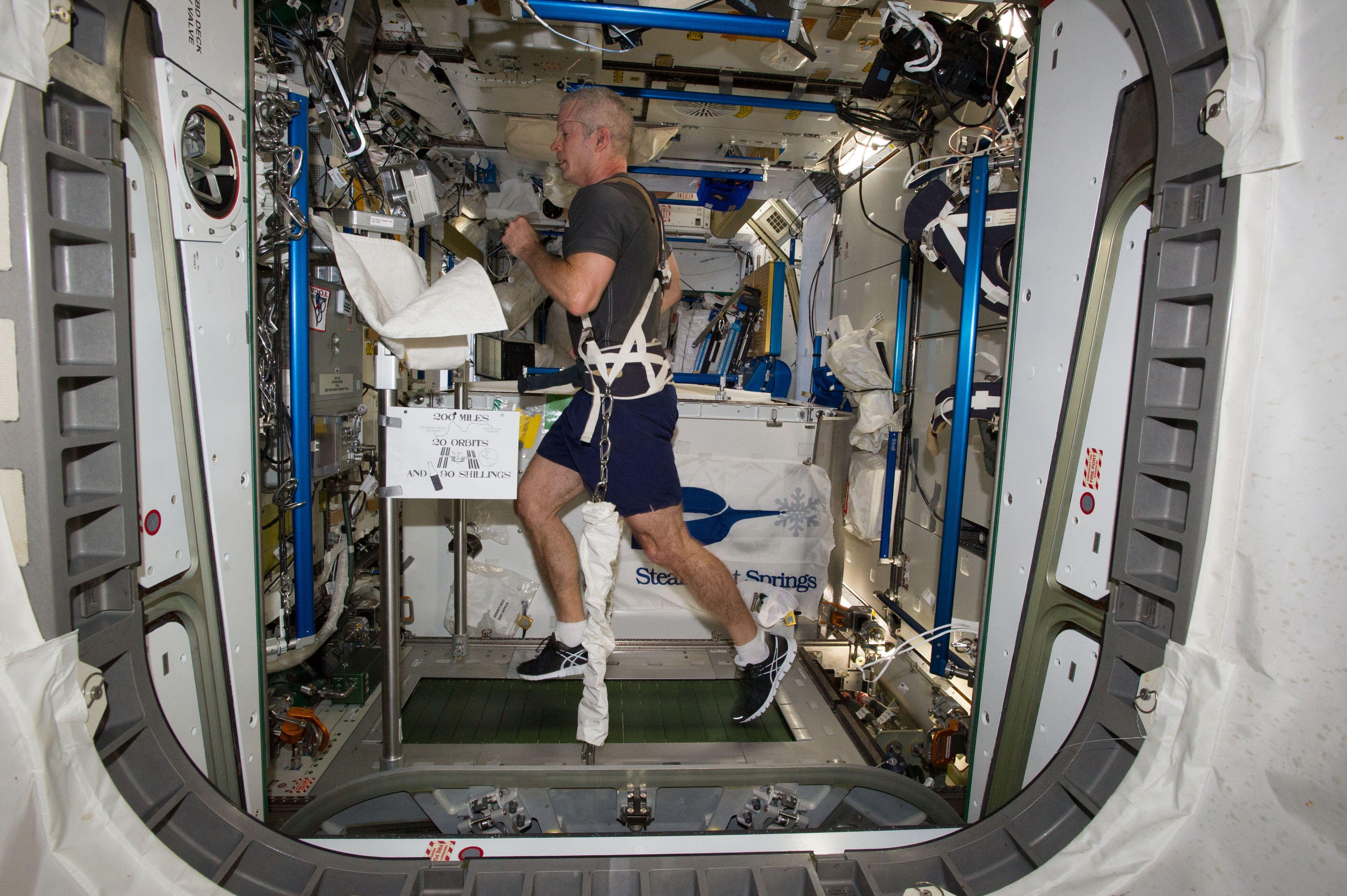 Entenda quais são os problemas de saúde que astronautas sofrem no espaço