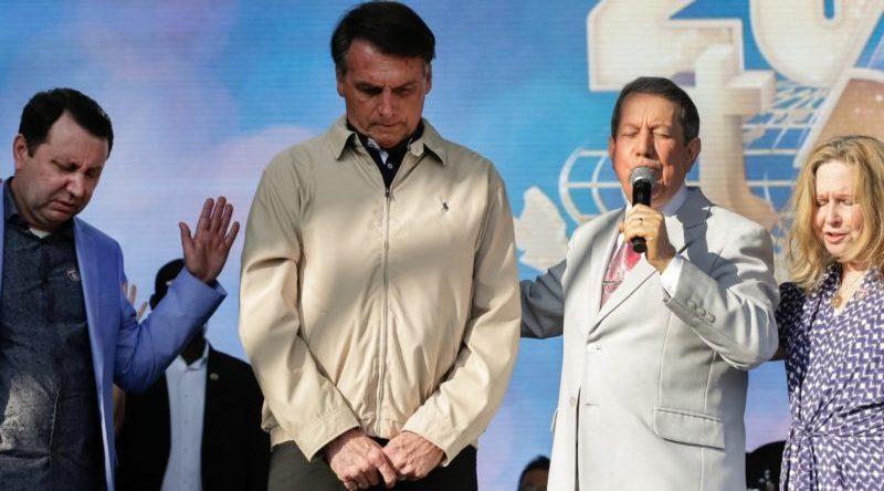Bolsonaro veta o perdão a dívidas das igrejas brasileiras