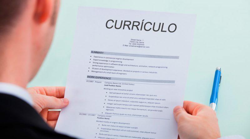 Modelo de currículo para estagiário(a).