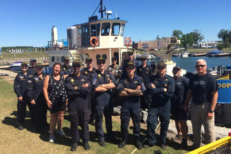 Um pequeno submarino foi encontro um objeto misterioso no Lago Ontário